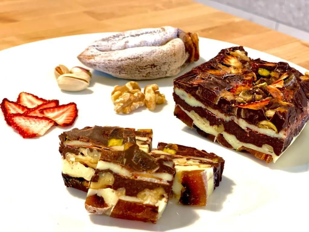 ドライフルーツとナッツたっぷりの大人ミルフィーユチョコをご紹介します